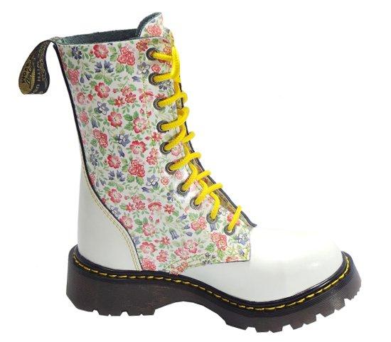 d122fde7c69 10 dírkové boty CAMPILOT Flowers White   Campilot.cz - Kvalitní ...